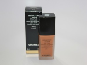 CHANEL-Perfection-Lumiere-Foundation