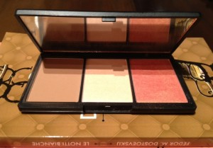 sleek contouring and blush palette