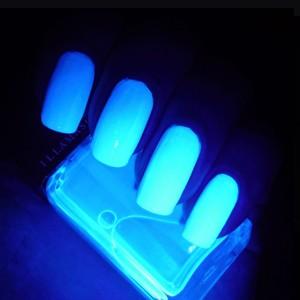 illamasqua paranormal uv glow nail varnish geist
