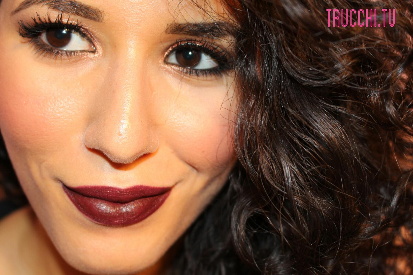 Makeup Inspiration Copper eyes dark lips 3