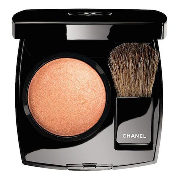 "Chanel ""Plumes Precieuses"" Joues Contraste Blush Caresse"