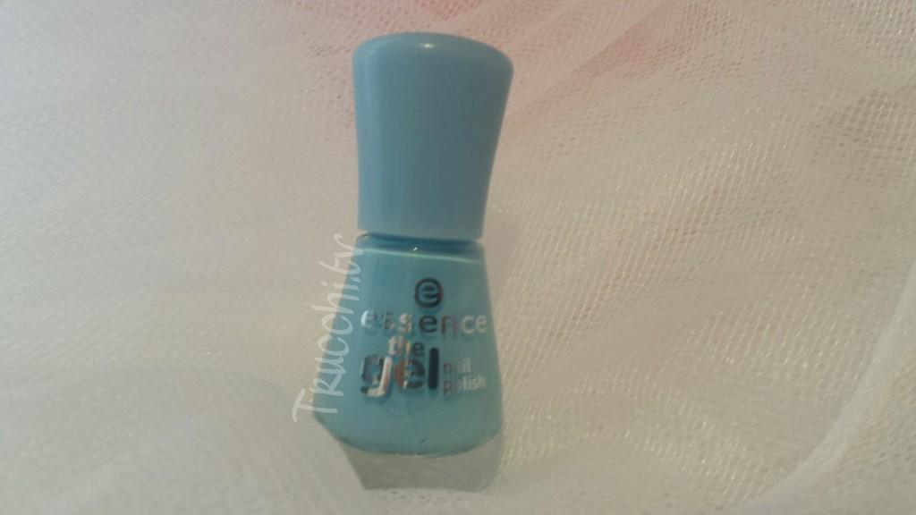 smalto essence the gel 39 blue bubble di blue 1