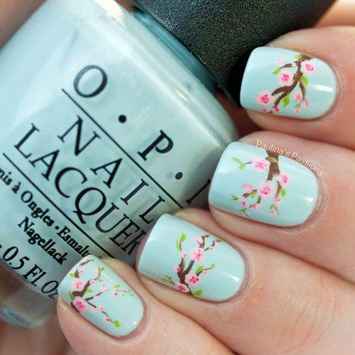 Nail art fiori di ciliegio