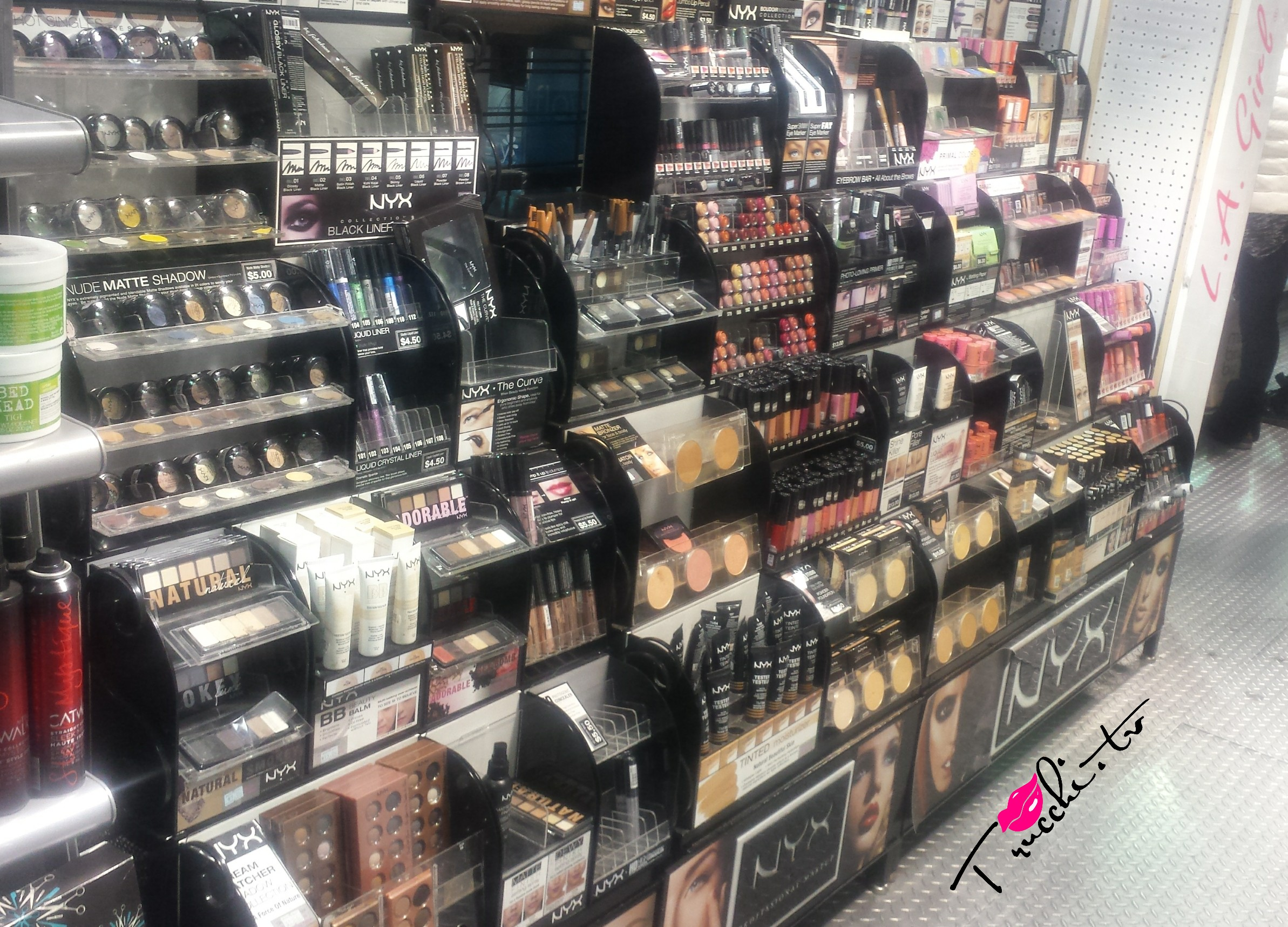 Guida Shopping Makeup New York - Rickys