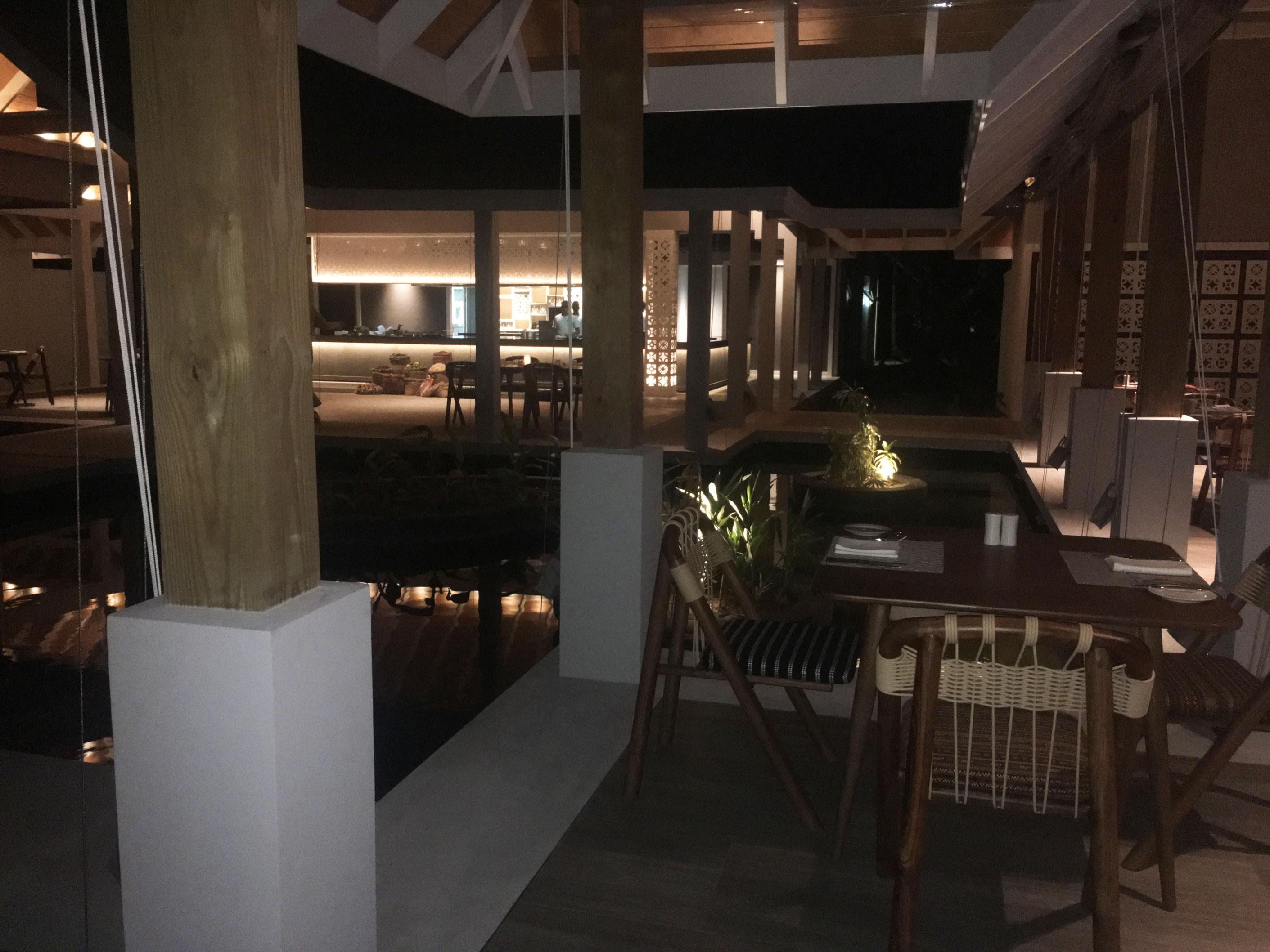 Maldive Dhigali Resort - Ristorante Battuta
